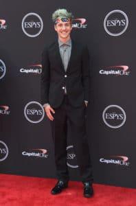 Ninja Tyler Blevins célébrité du E-sport- industrie du jeu video