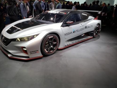 CES voiture futuriste
