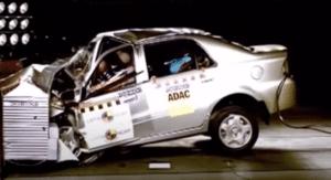 Au début des années 2000, les crash-tests de véhicules chinois selon les standards européens avaient de quoi refroidir les acheteurs potentiels. Image : Drive.com.au